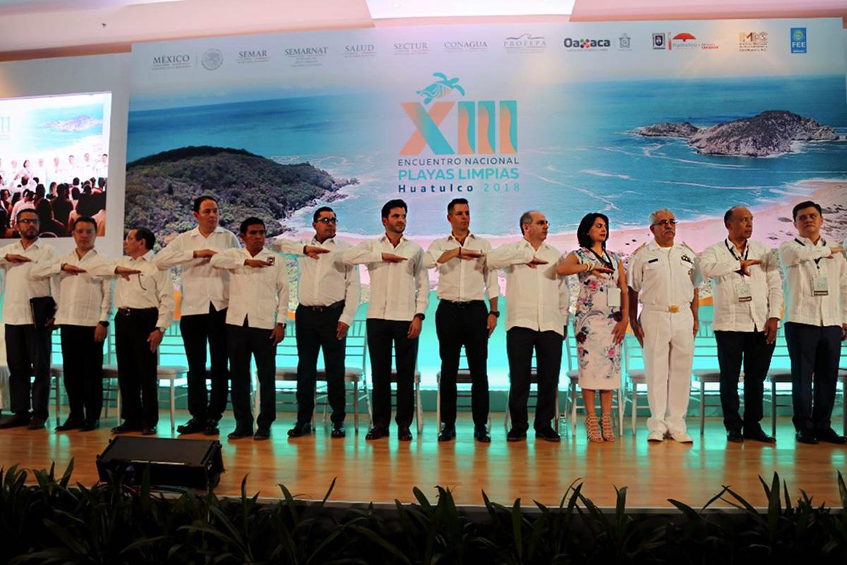 Durante la inauguración del XIII Encuentro Nacional de Playas Limpias, Rafael Pacchiano Alamán señaló que la certificación de playas mexicanas garantiza la salud de los usuarios, eleva la competitividad de los destinos turísticos y mejora la calidad ambiental de esos ecosistemas.