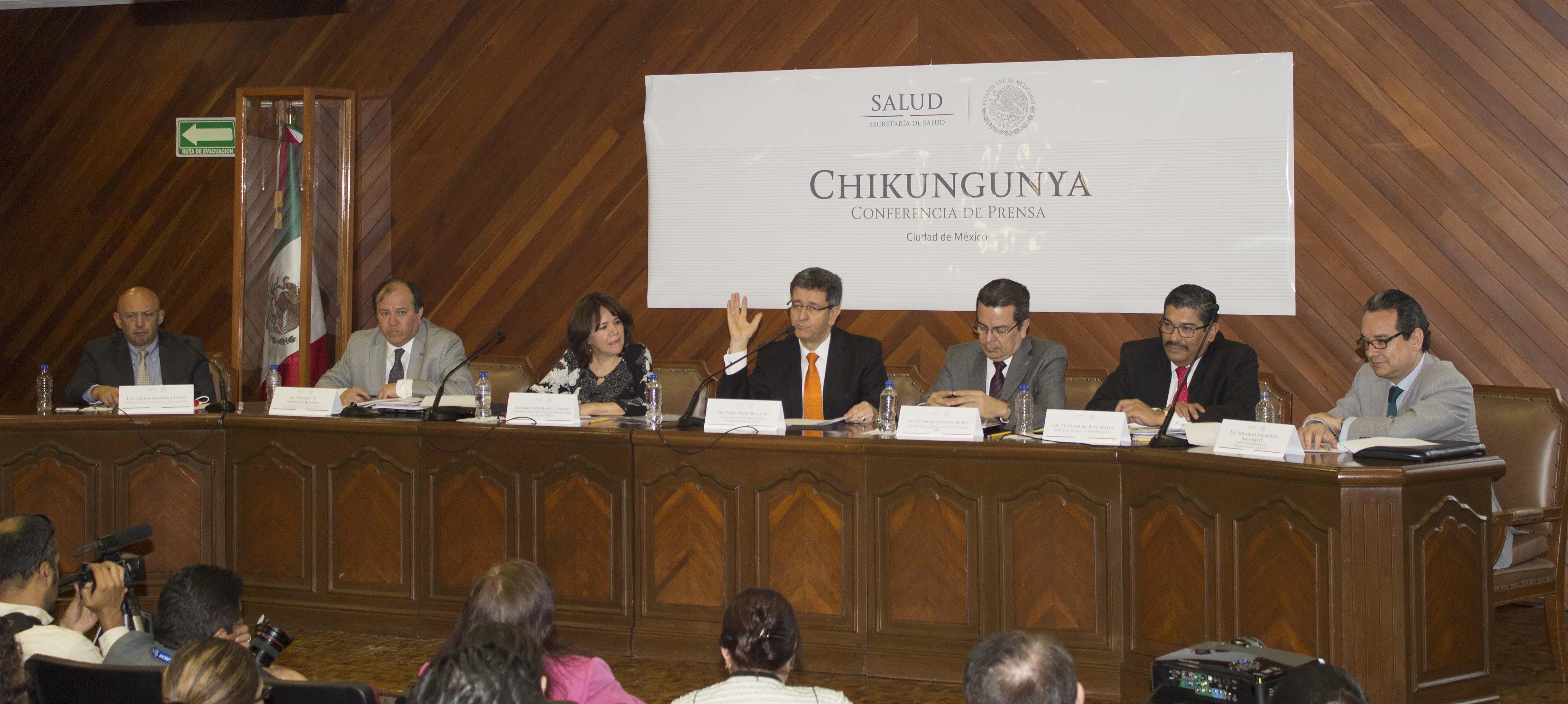 Conferencia de Prensa Chikungunya 260315  1 jpg