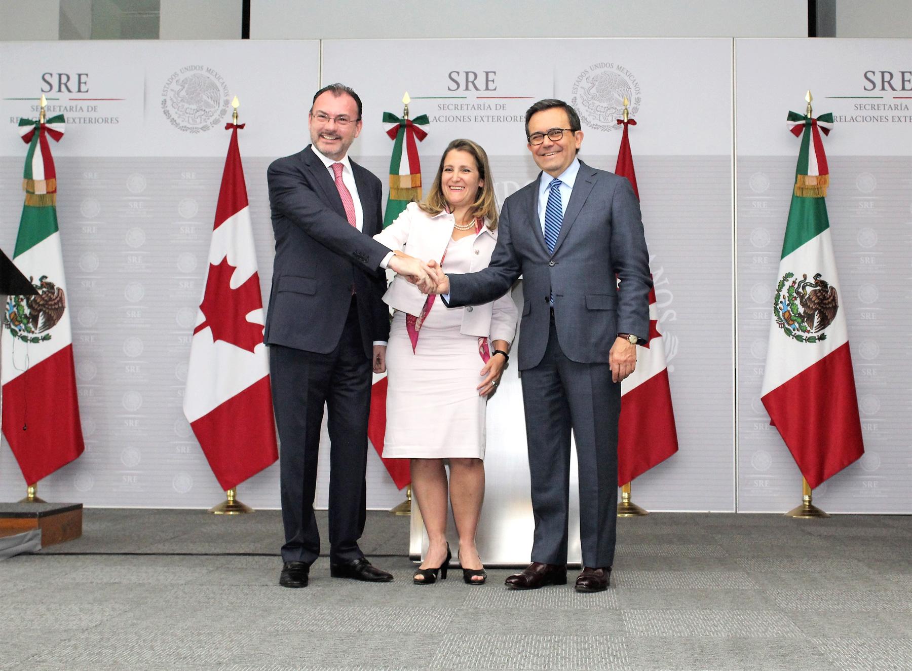 Secretario Ildefonso Guajardo, el Canciller Luis Videgaray y la Ministra Chrystia Freeland