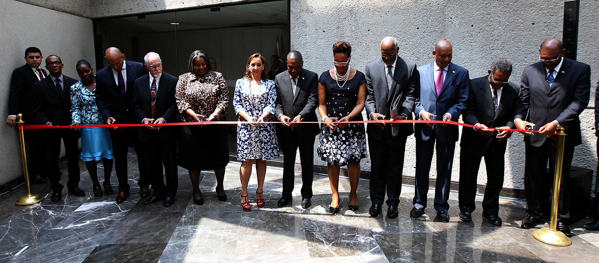 FOTO 2 La canciller Claudia Ruiz Massieu inaugur  oficina para embajadas concurrentes del Caribe.jpg