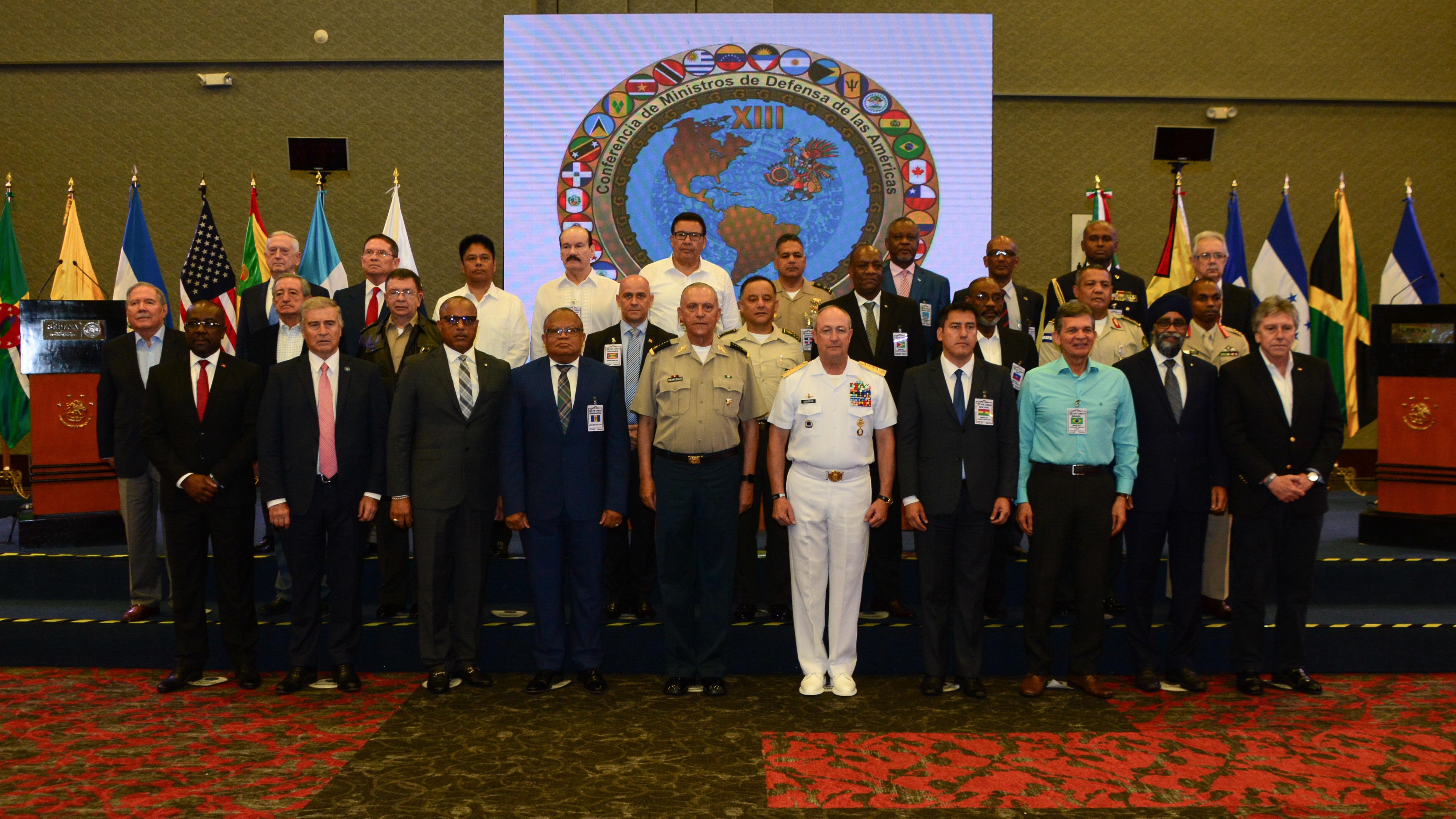 Los titulares de las Fuerzas Armadas de México, Canadá, Chile y Haití  formalizaron acuerdos con la finalidad de establecer las bases de colaboración en actividades de capacitación, entrenamiento, intercambio de experiencias y de información en materia de Seguridad y Defensa.