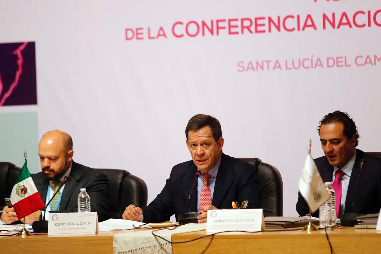 Secretario del Trabajo, Roberto Campa Cifrián durante su participación en la Cuadragésima Asamblea Ordinaria de la Conferencia Nacional de Procuración de Justicia