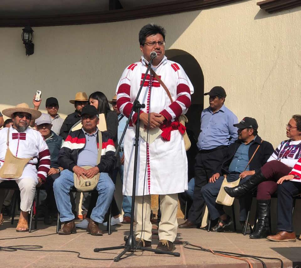 Cambio de régimen electoral de oxchuc, chiapas para elegir a sus autoridades a través de sus sistemas normativos indígenas. adelfo regino montes