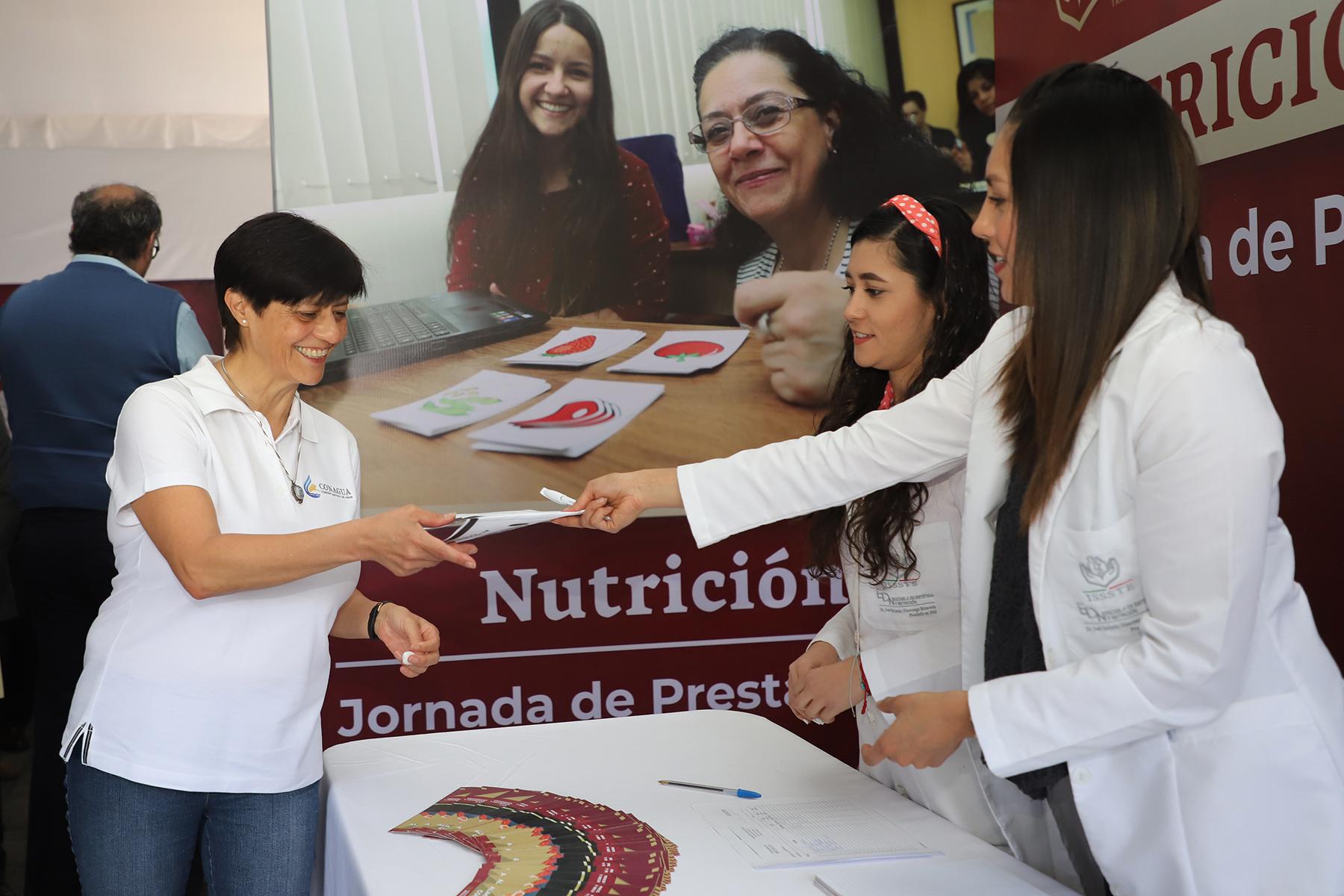 Dentro de las Jornadas de Prestaciones se brinda orientación nutricional para prevenir o combatir problemas como la obesidad.