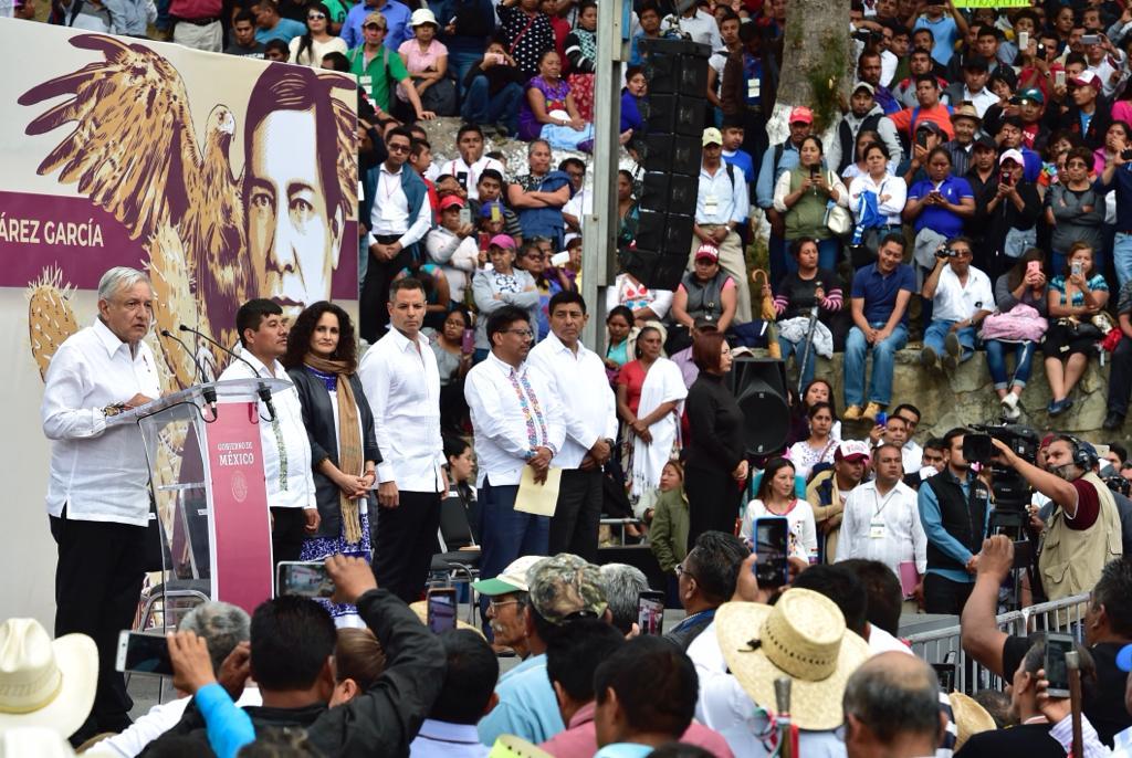 Pueblos Indígenas conmemoran el CCXIII Aniversario del Natalicio del Licenciado Benito Juárez García, en Guelatao de Juárez, Oaxaca