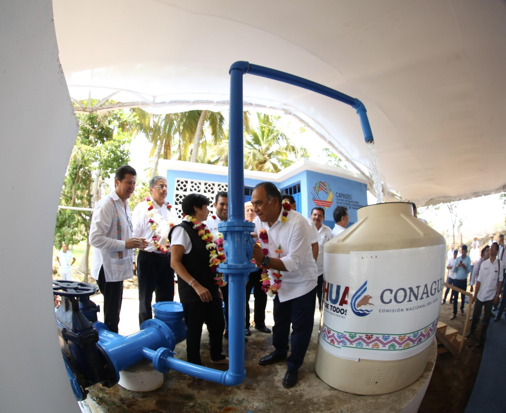 En gira con el Gobernador de Guerrero, Héctor Astudillo Flores, se hizo entrega de la ampliación de la Red de Distribución del Sistema de Agua Potable de San José Ixtapa y de la construcción de la Línea de Conducción del Pozo 1 a Playa Linda.