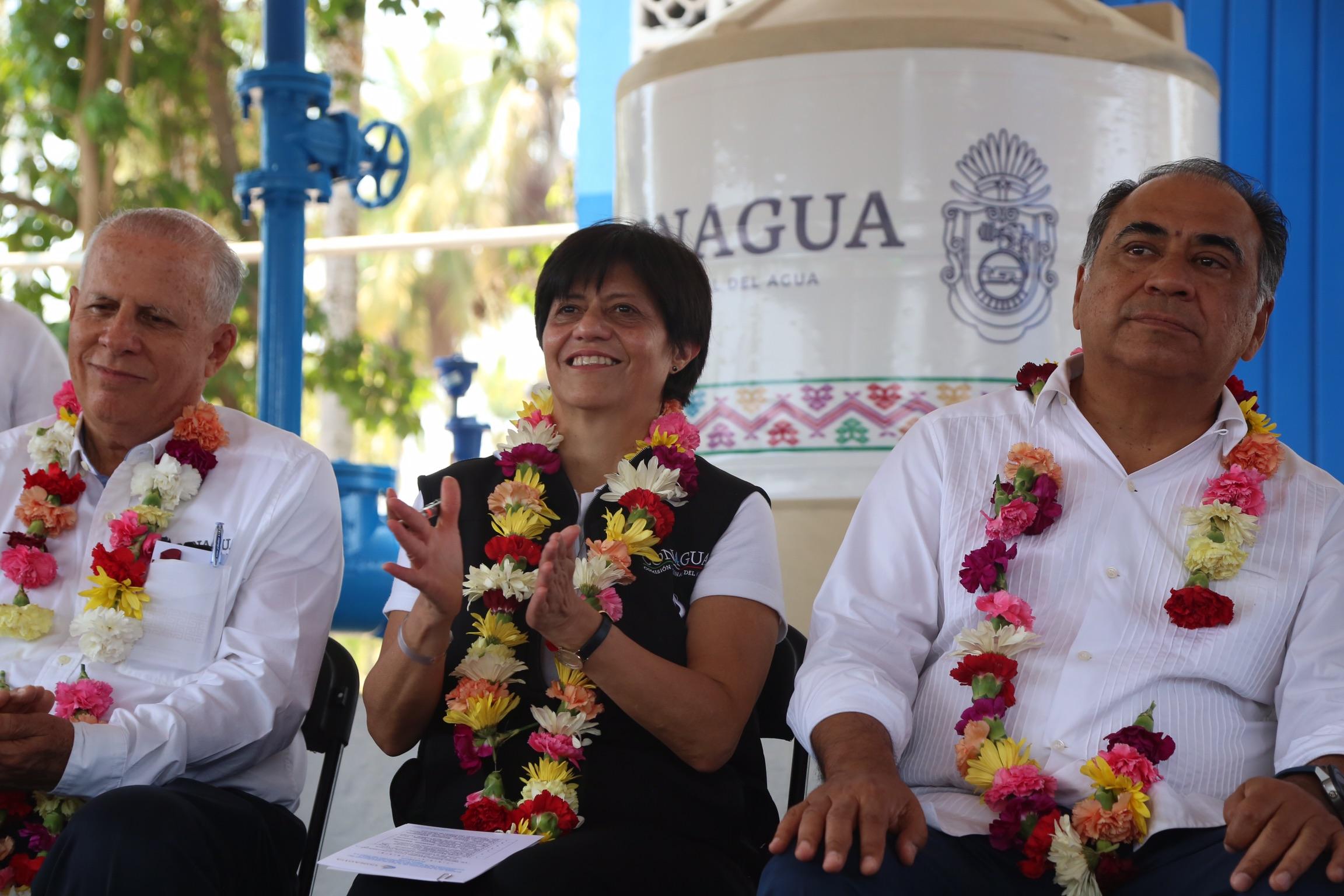 Blanca Jiménez destacó la importancia de la coordinación de los tres órdenes de gobierno para invertir en obras que mejoran los servicios del agua, lo cual permite incrementar la calidad de vida de la población.
