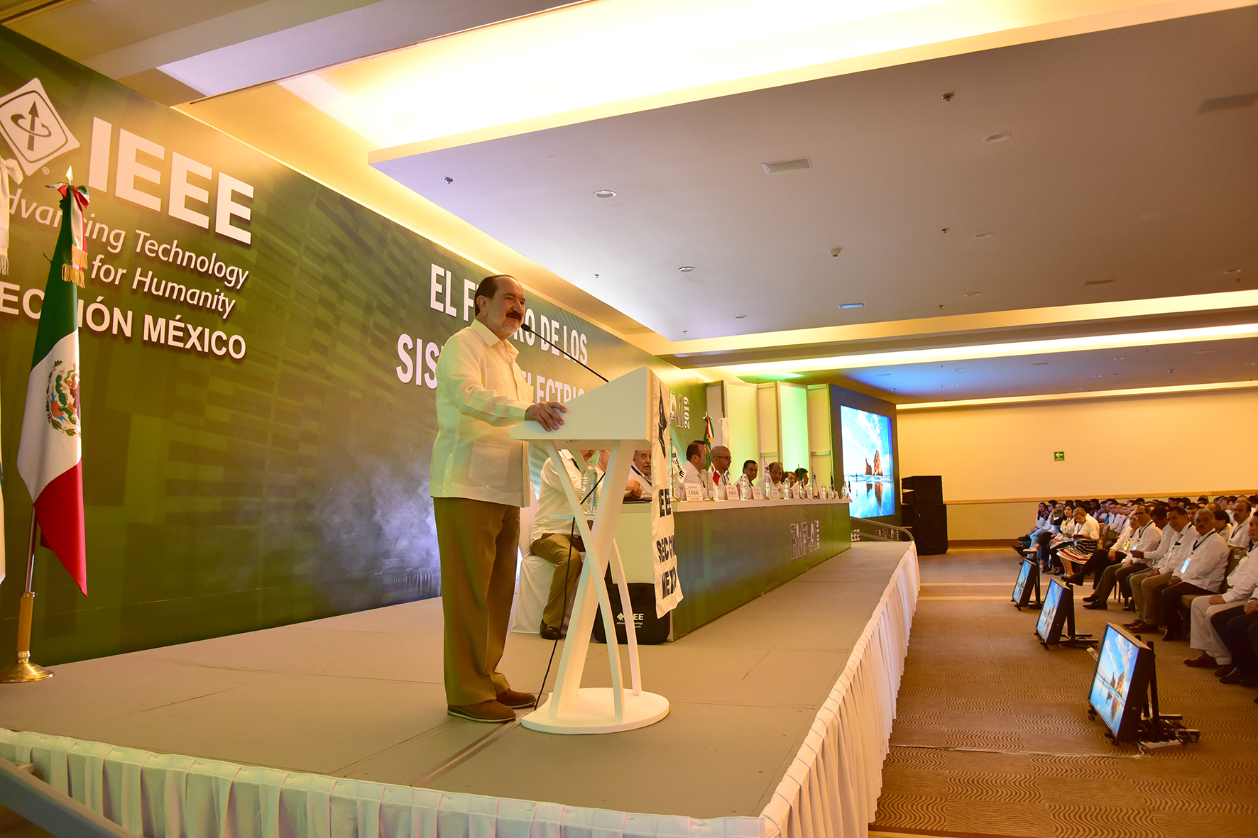 Dentro de los participantes a este evento se destacan: CFE, SIEMENS, CONDUMEX, HILTI, GE ENERGY, VIAKON, entre otros.