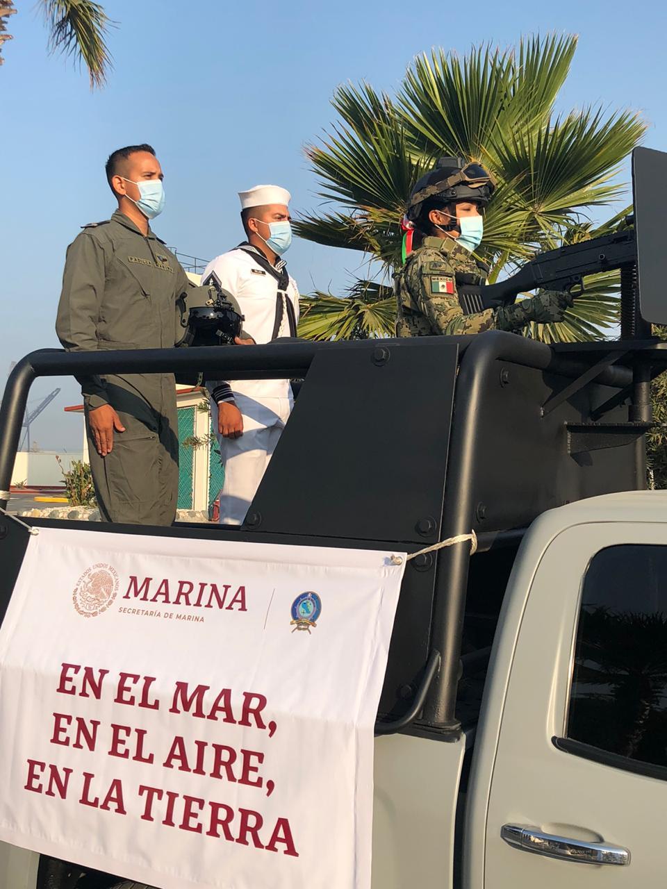 Fuerzas Armadas en vehículo terrestre