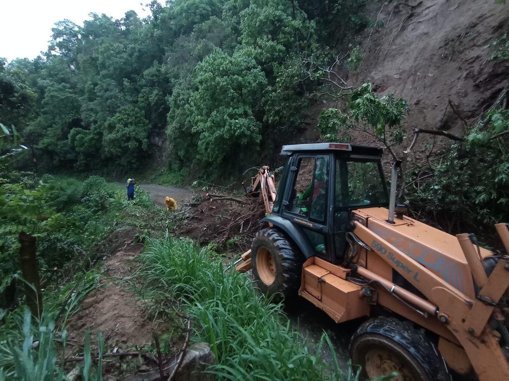 /cms/uploads/image/file/653512/km_195_al_205_de_la_carretera_Oaxaca_-_Puerto__ngel__3_.jpg