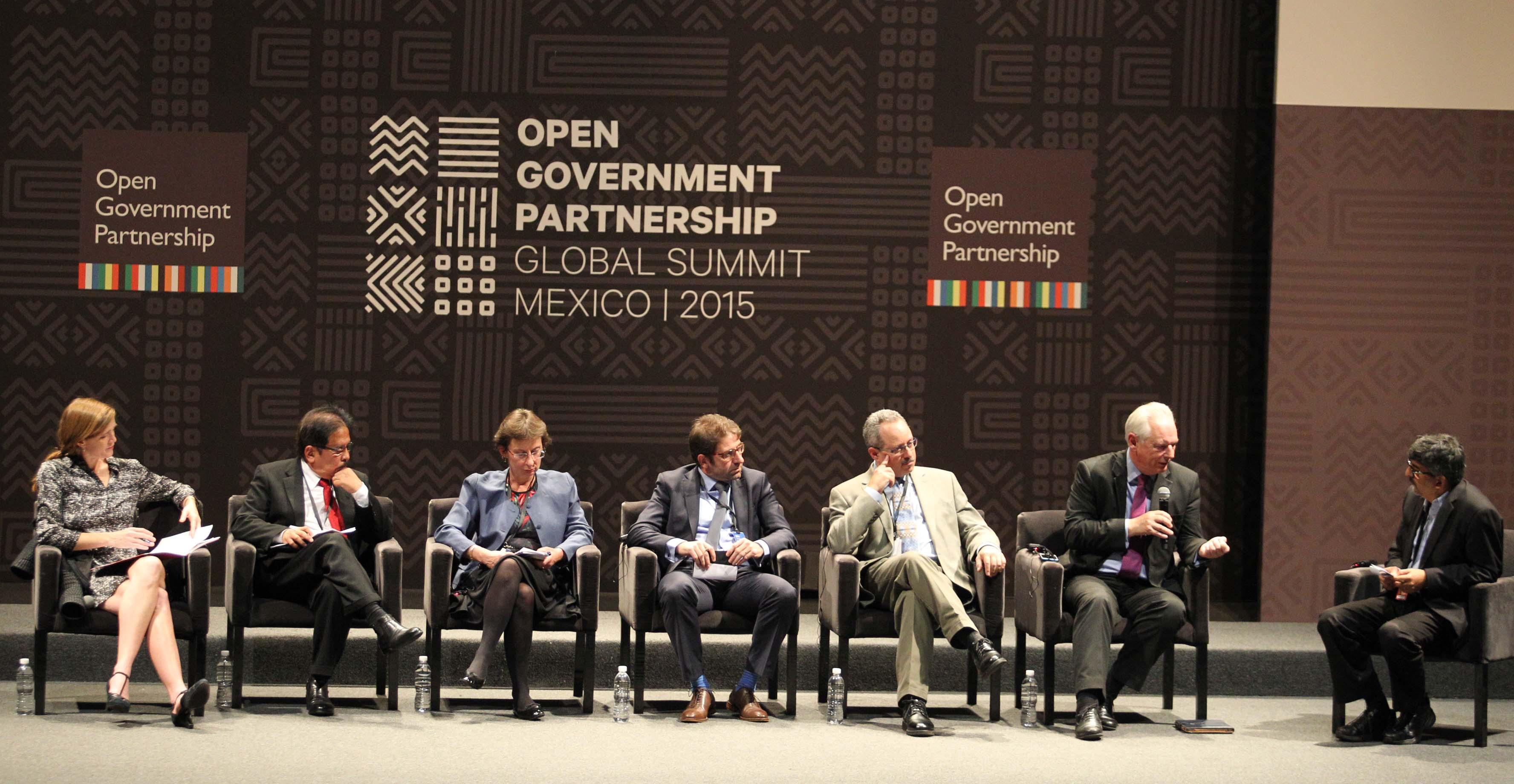 FOTO Panel Alianza para el Gobierno Abierto  cu les son las nuevas fronteras.jpg