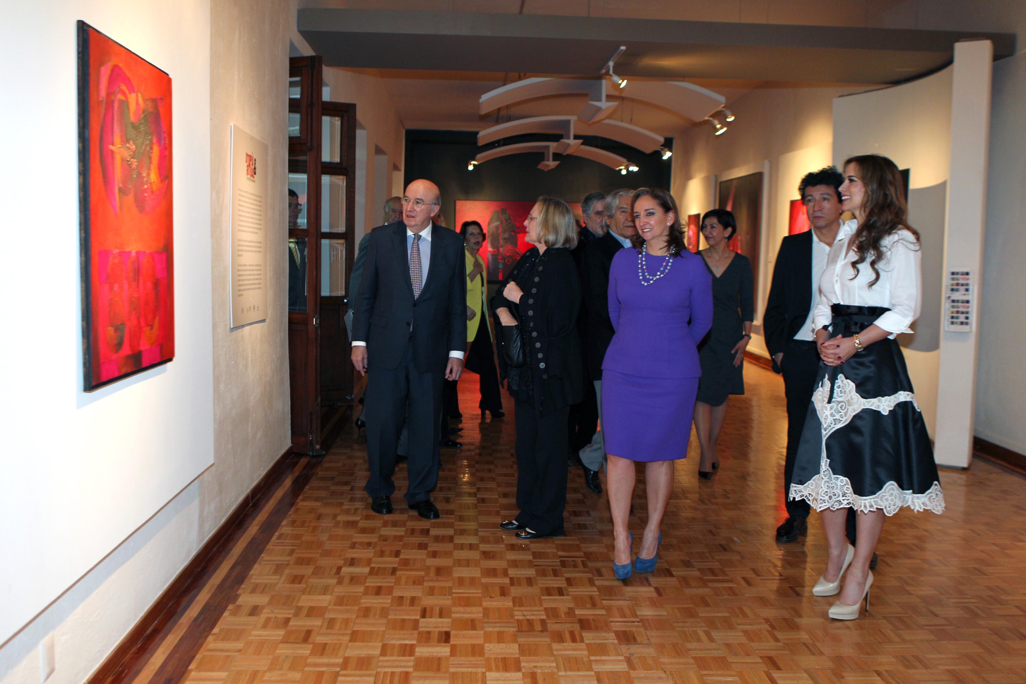 FOTO 3 La Canciller Claudia Ruiz Massieu inaugura exposici n de artistas peruanos.jpg