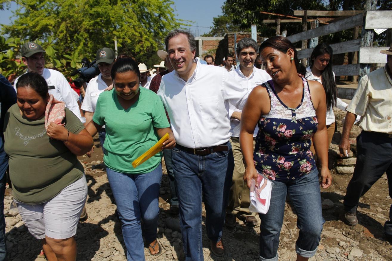 FOTO 2 El secretario Meade realiz  visita de trabajo en el estado de Jaliscojpg