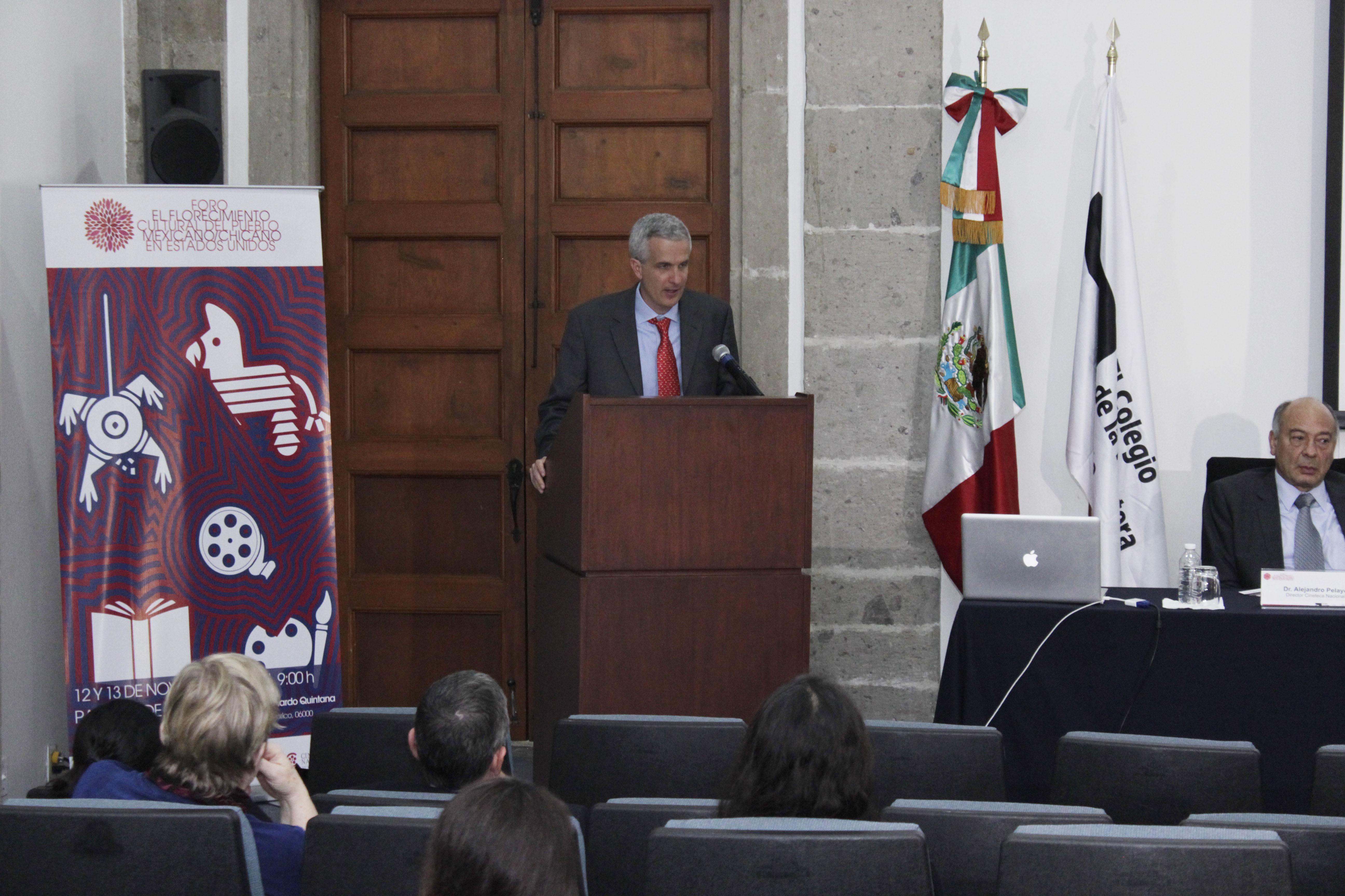 FOTO 2 Subsecretario Carlos P rez Verd a en el Foro sobre cultura del Pueblo Chicano Mexicanojpg