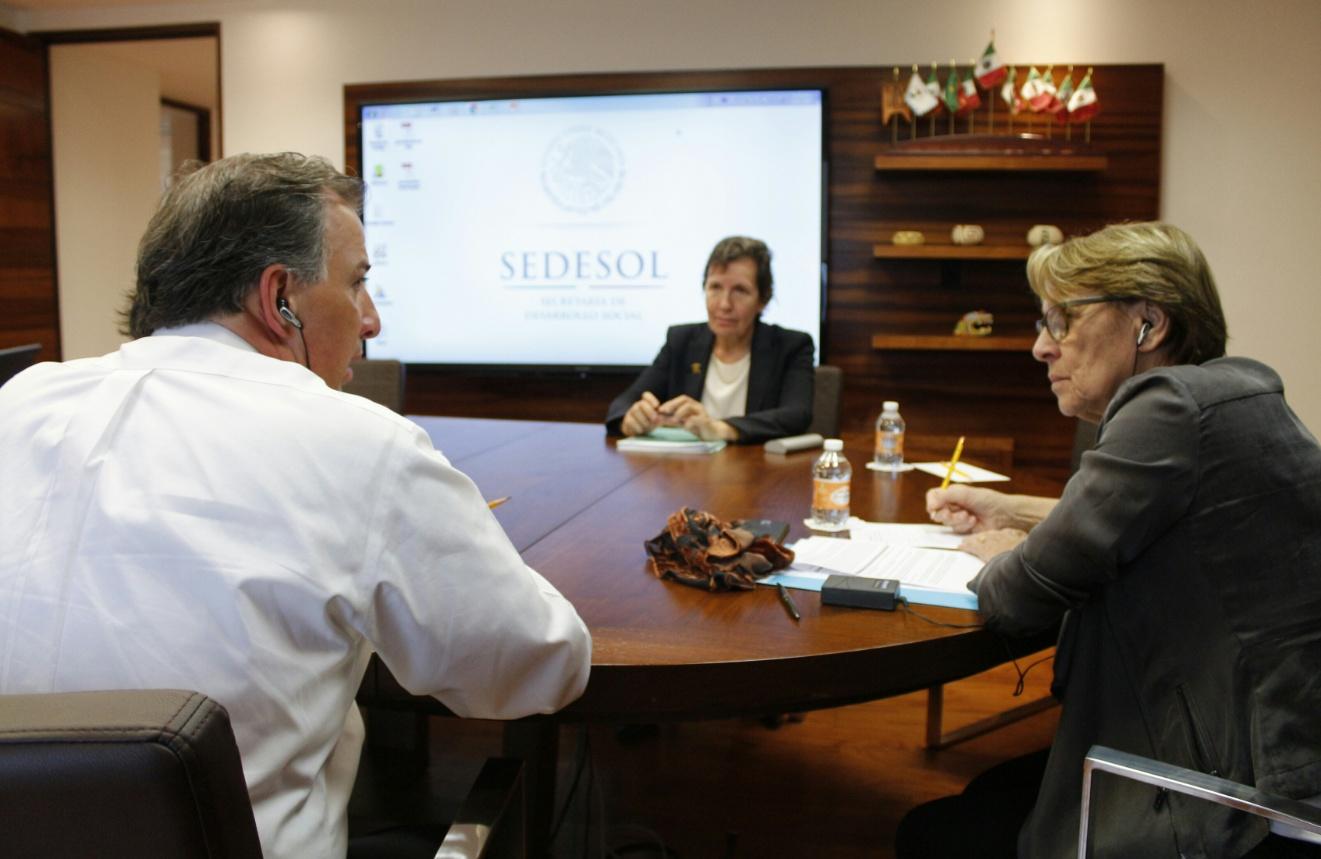 FOTO 3 El secretario  Meade se reuni  con la ministra de Descentralizaci n y Funci n P blica de Franciajpg
