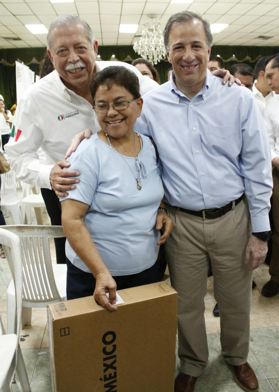 FOTO 4 Gira del secretario Meade en Tamaulipasjpg