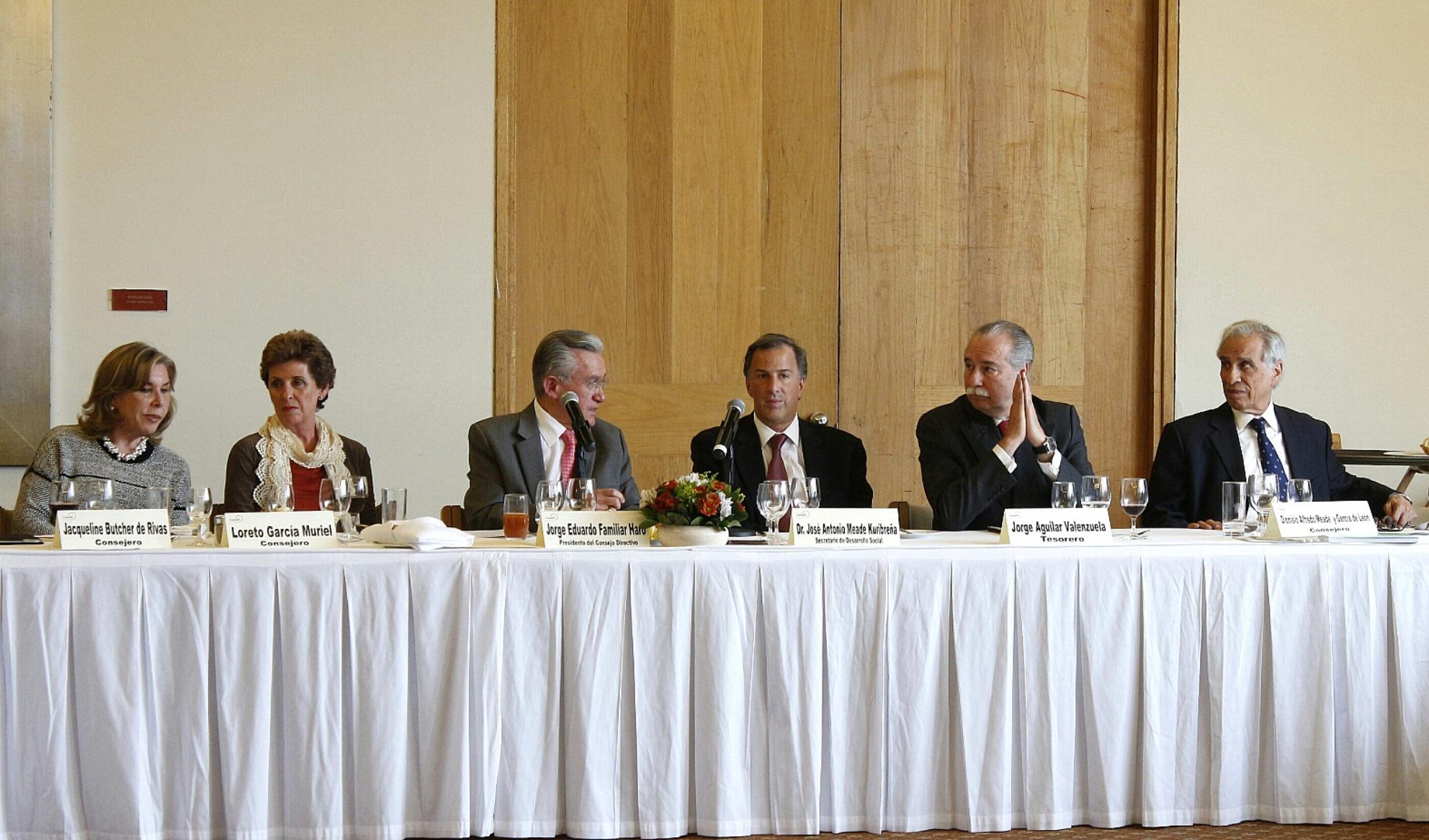 FOTO 1 Secretario Meade en reuni n con el Consejo Directivo del Centro Mexicano para la Filantrop a  Cemefi jpg