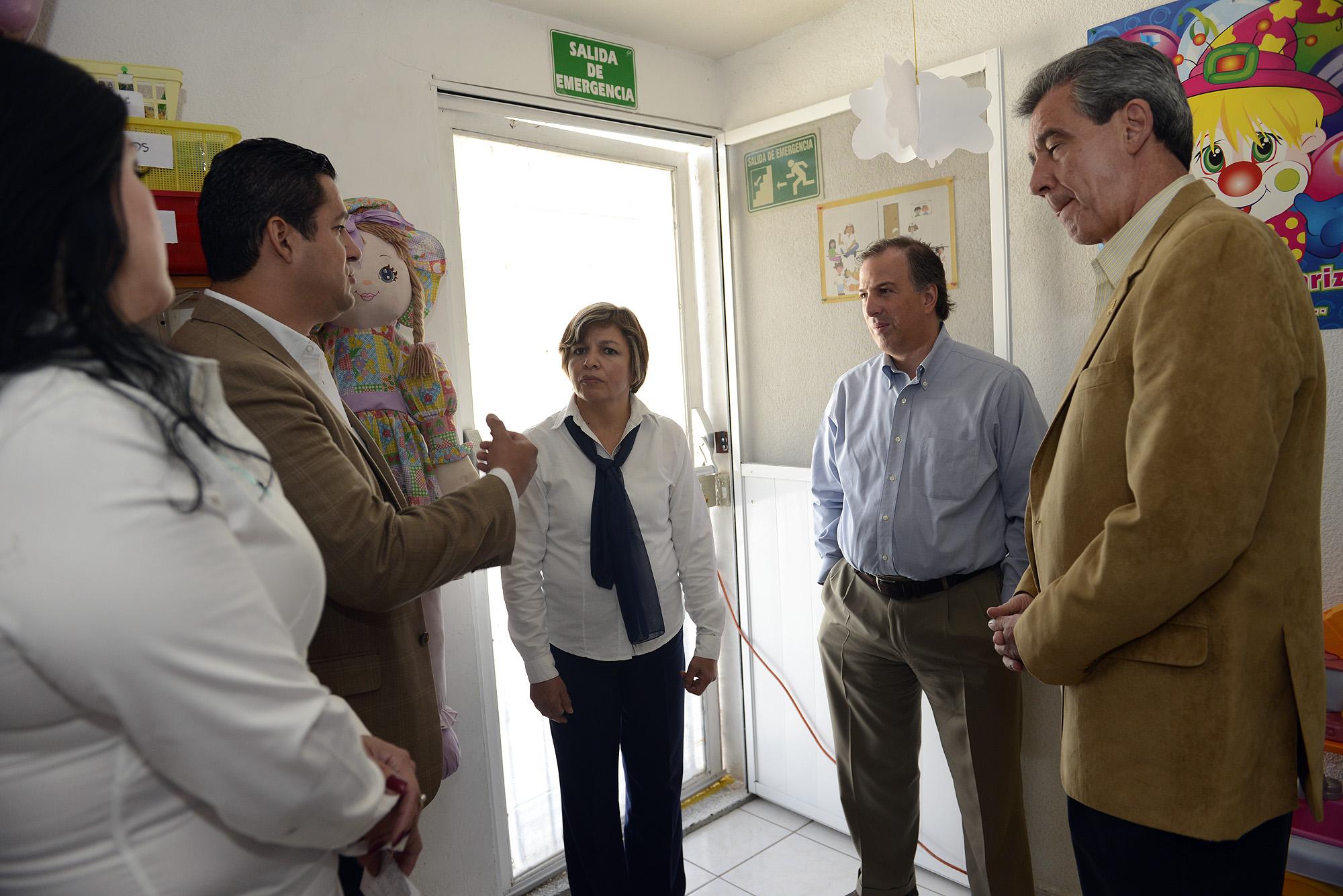 FOTO 2 El titular de Sedesol realiz  una gira de trabajo por la ciudad de Le n  Guanajuatojpg