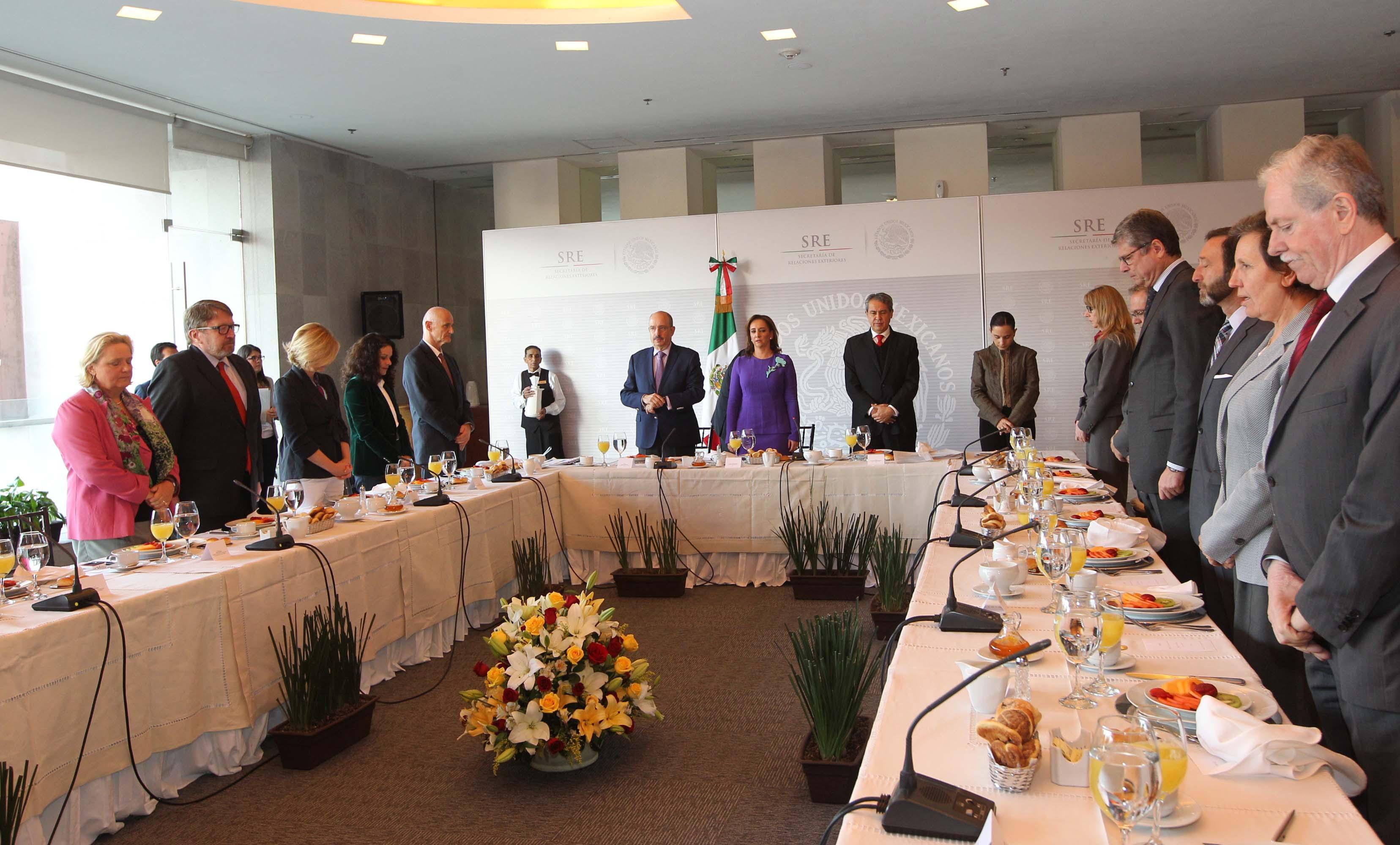 FOTO Reuni n de la Canciller Claudia Ruiz Massieu con Embajadores de la Uni n Europea.jpg