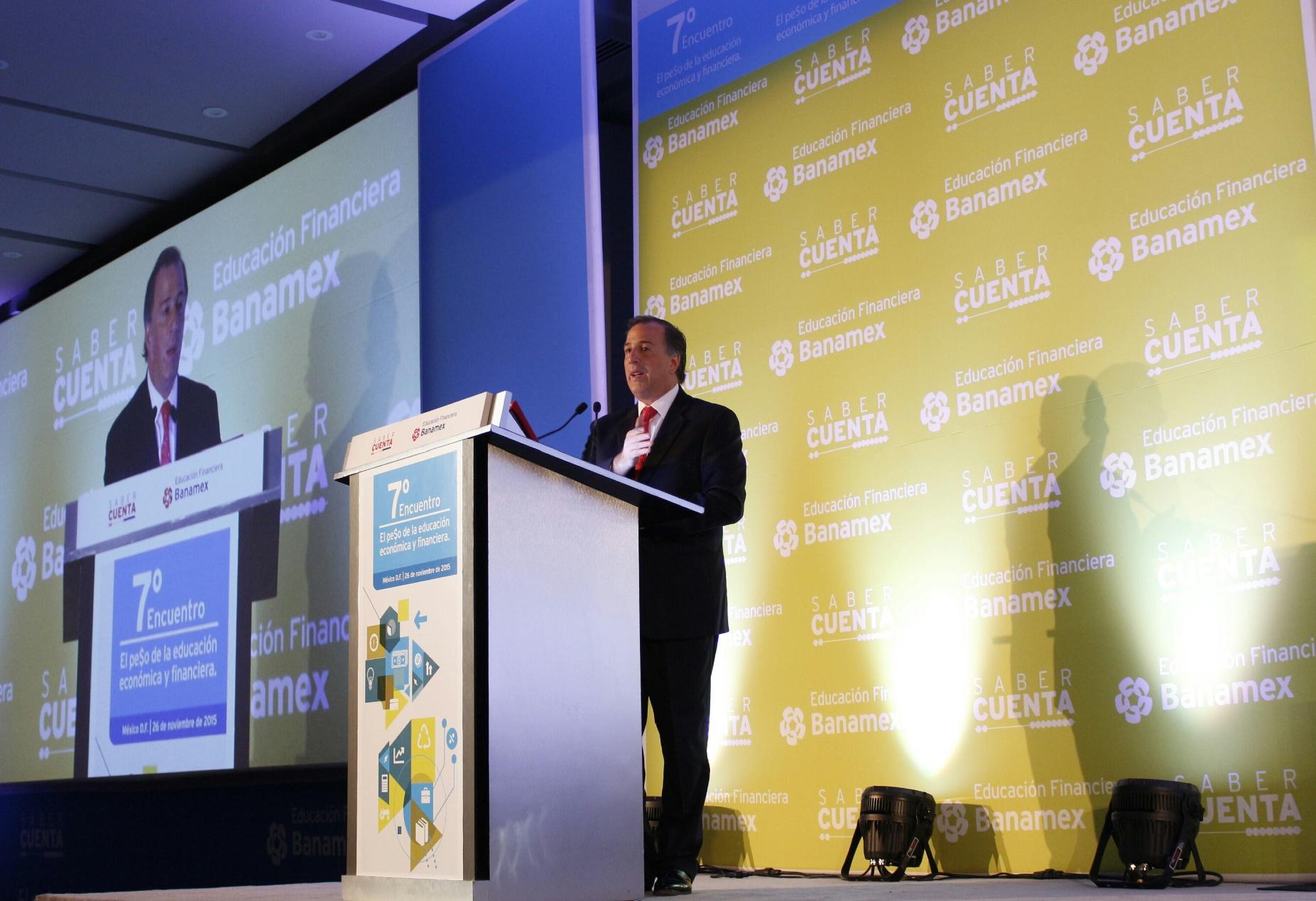 FOTO 3 Secretario Jos  Antonio Meade Kuribre a durante el S ptimo Encuentro de Educaci n Financiera.jpg