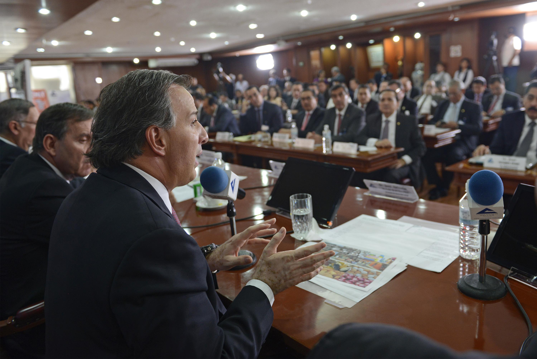 FOTO 2 Secretario Meade al reunirse con empresarios de la Concanaco Serviturjpg