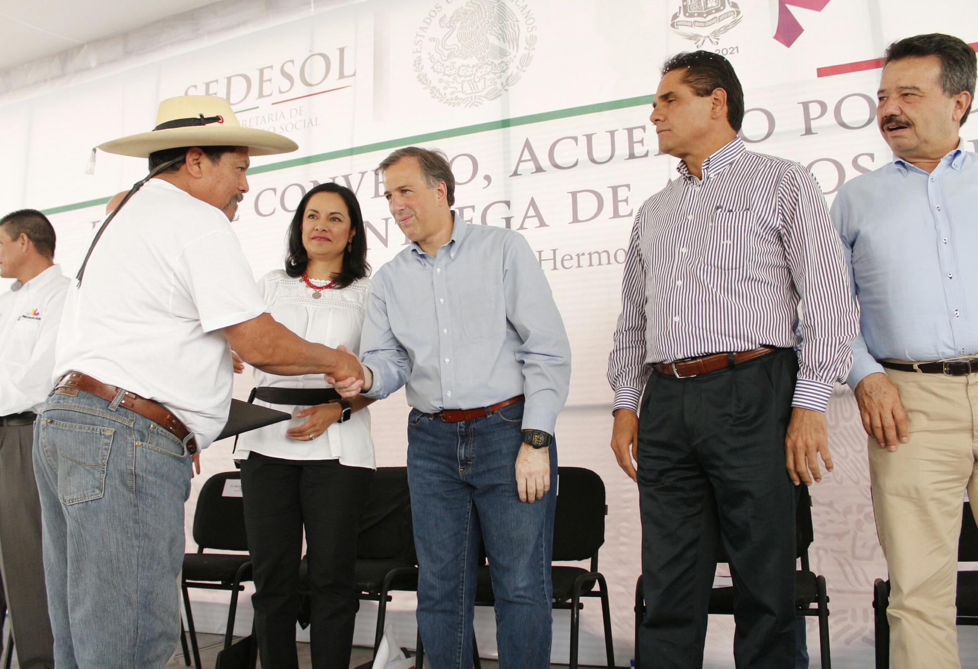 FOTO 2 Secretario Meade en el marco de su gira de trabajo a Michoac njpg