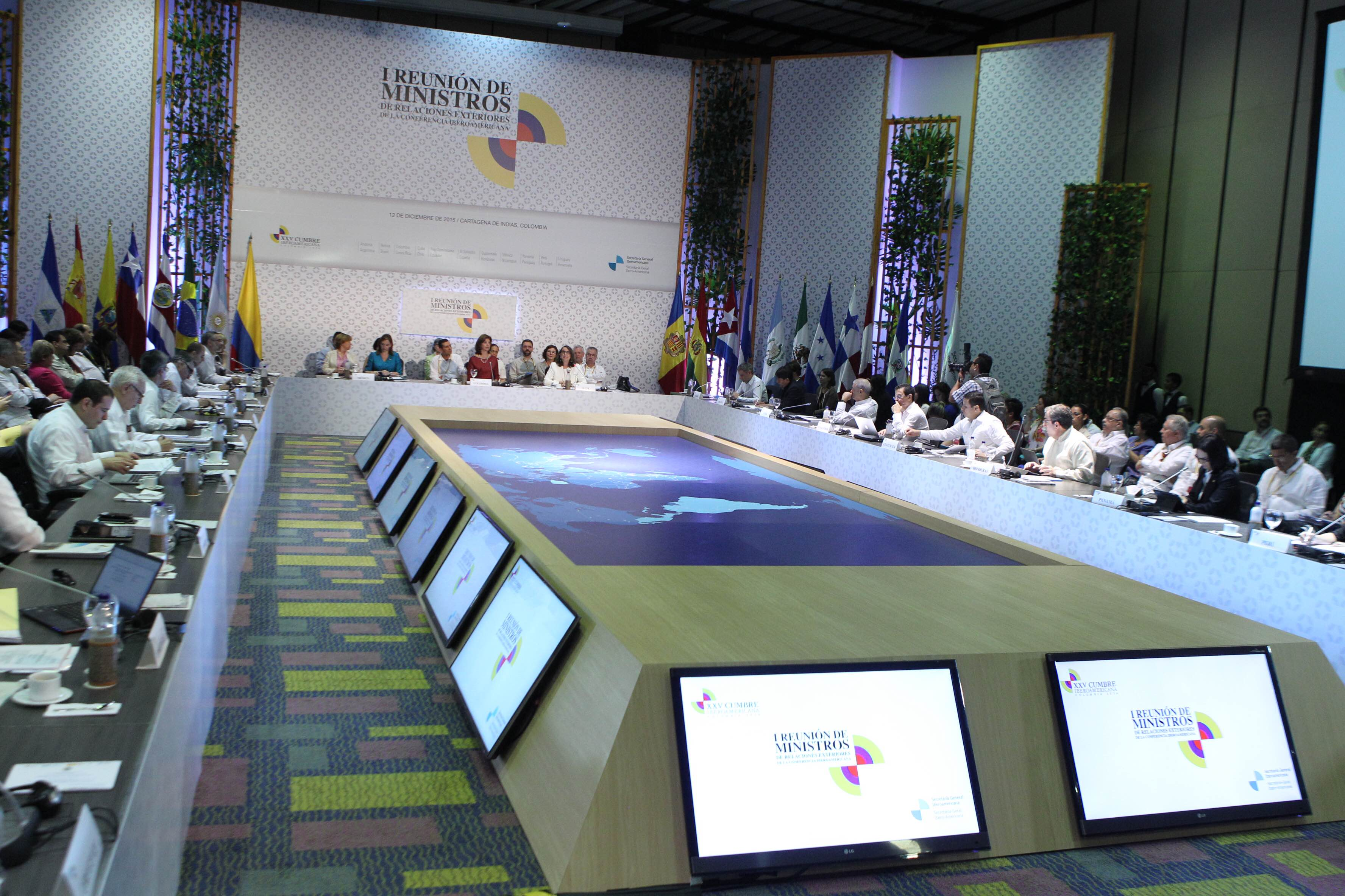 Foto 2 La Canciller Claudia Ruiz Massieu en la inauguraci n de la Reuni n de Ministros de Relaciones Exteriores de IberoamericanaJPG