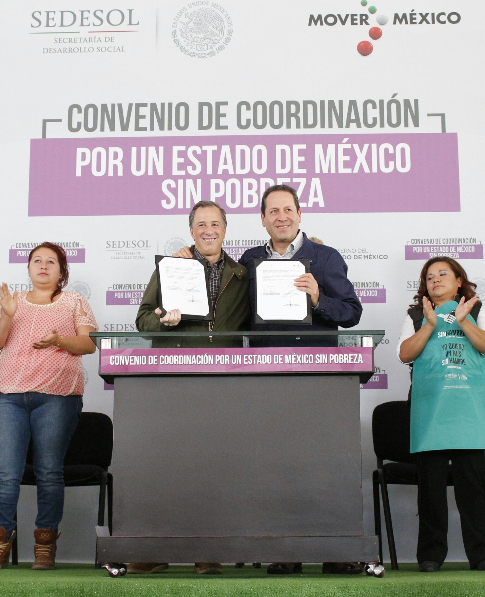 FOTO 2 Secretario  Meade Kuribre a  en el marco de la firma del Acuerdo por un Estado de M xico sin Pobrezajpg