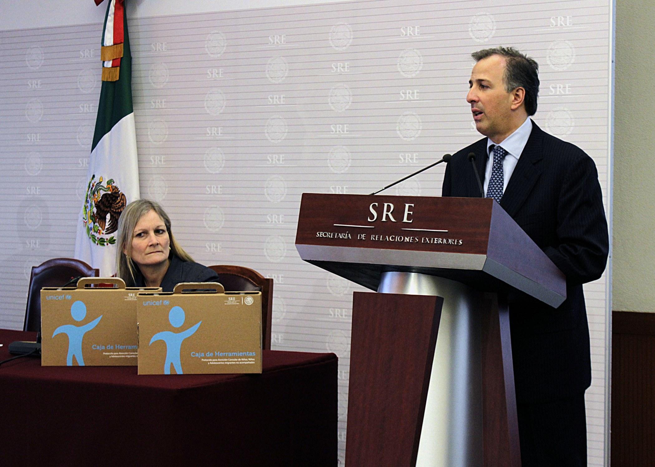 FOTO 1 Canciller Jos  Antonio Meade en la presentaci n del Protocolo de Atenci n Consular para Ni as  Ni os y Adolescentes Migrantes no Acompa adosjpg