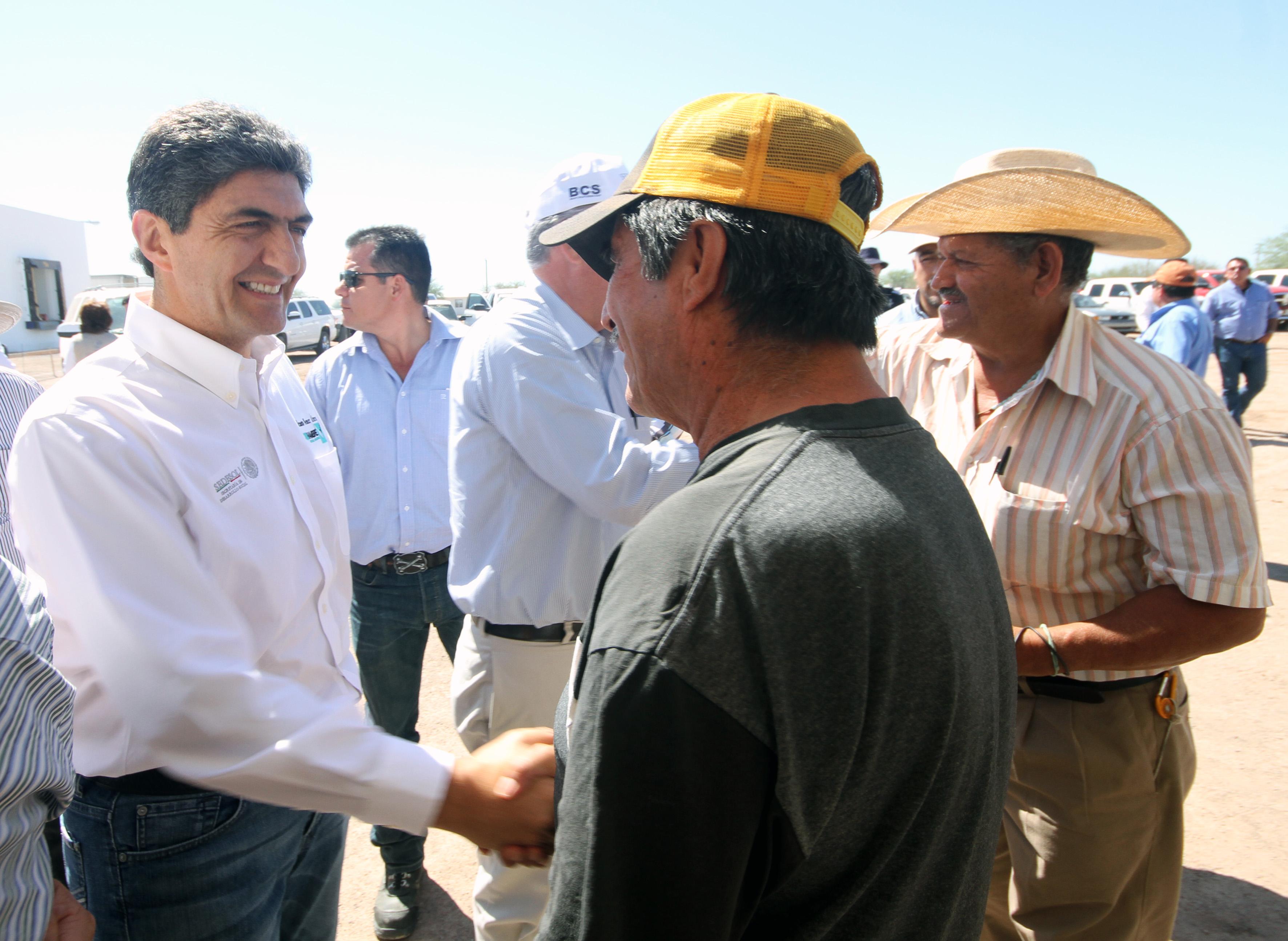 FOTO 2 Alimentaci n y estancia de jornaleros agr colas  compromiso prioritario.jpg