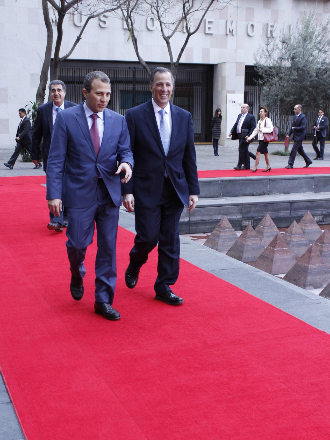 FOTO 1 El canciller Meade recibi  al ministro de Relaciones Exteriores y de Emigrantes de L bano  Gebran Bassiljpg
