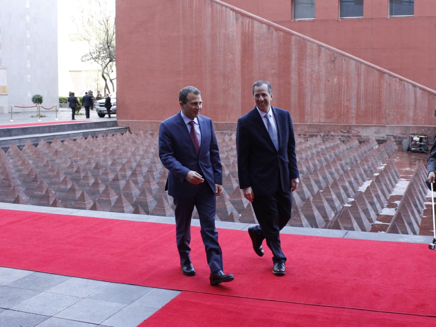 FOTO 2 El canciller Meade recibi  al ministro de Relaciones Exteriores y de Emigrantes de L bano  Gebran Bassiljpg