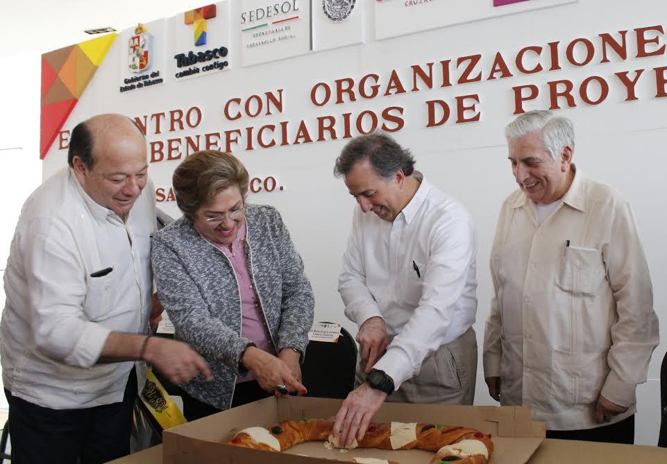 FOTO 1 Secretario Meade en el marco de su gira de trabajo por el estado de Tabasco.jpg
