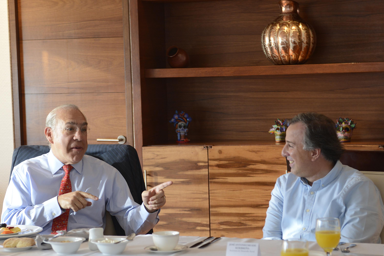 FOTO 1 Secretario  Meade en reuni n con el secretario general de la OCDE  Jos   ngel Gurr a.jpg