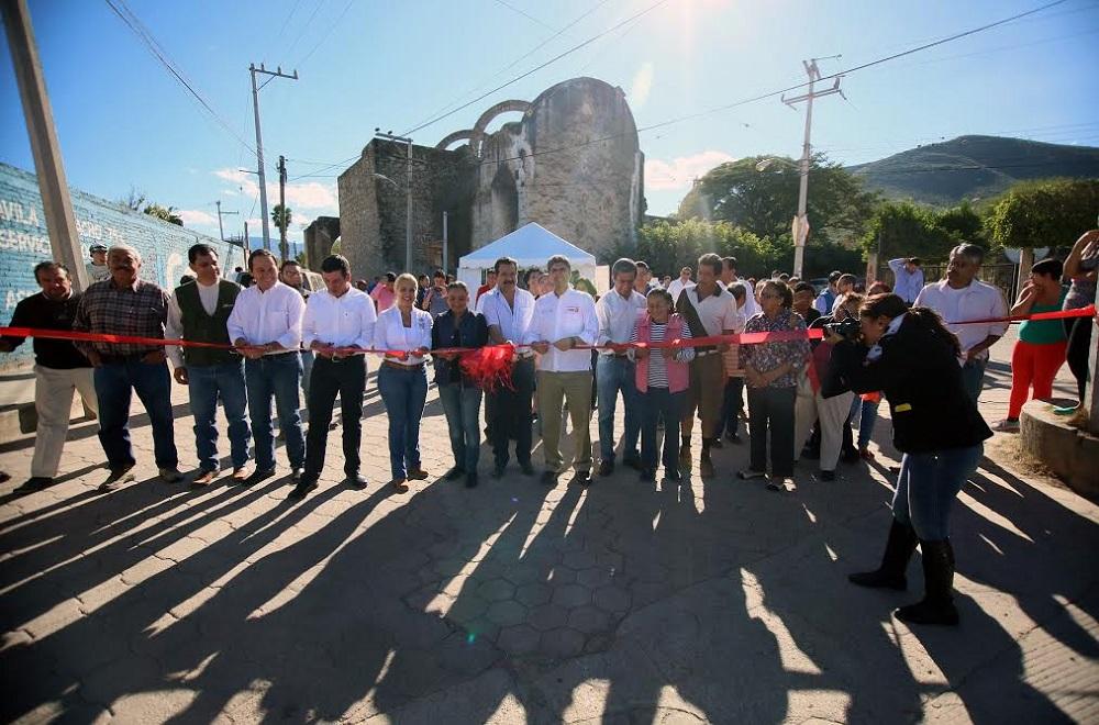 Foto 1 El subsecretario Ernesto Nemer  lvarez realiz  una gira de trabajo por Jalisco.jpg