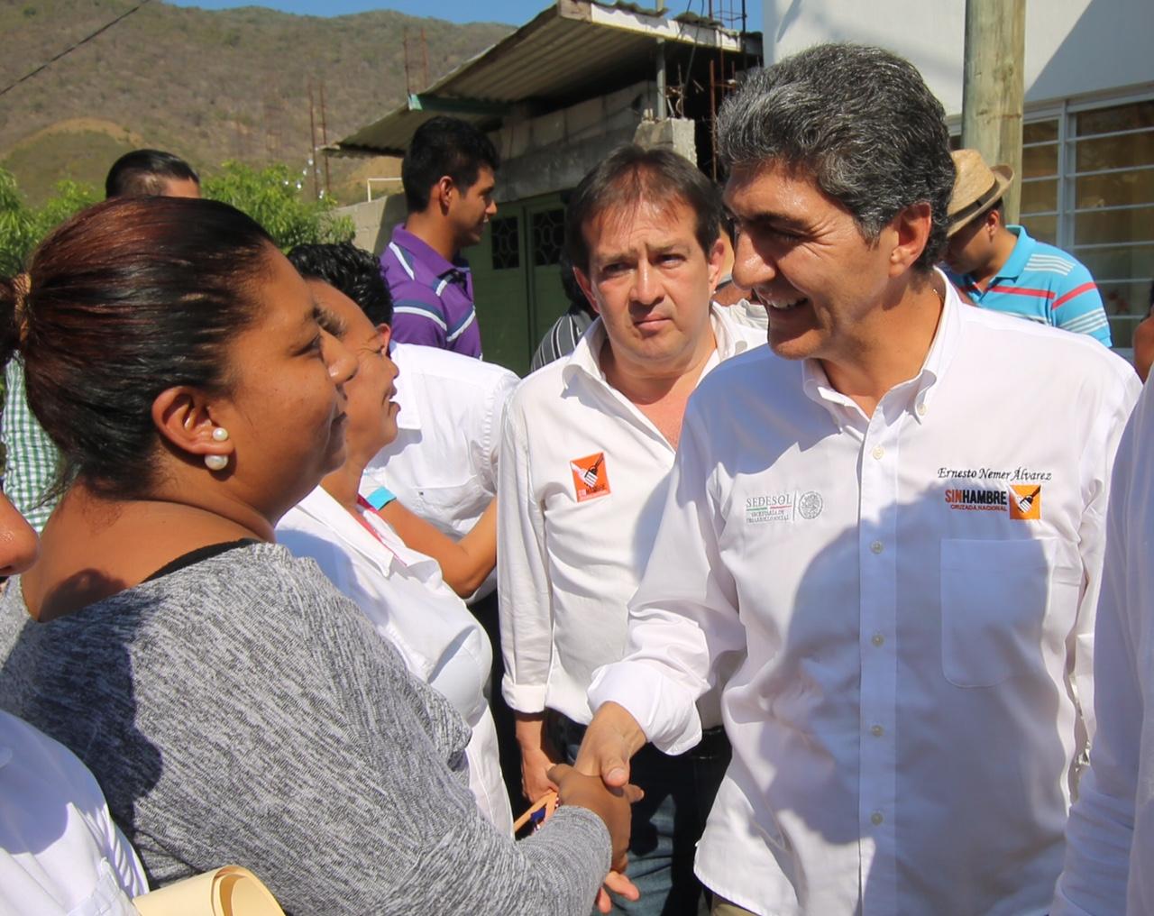 FOTO 2 Subs.  Nemer y el jefe de la oficina del secretario de Desarrollo Social  Julio C sar Guerrero  realizaron gira de trabajo por Chiapas.jpg