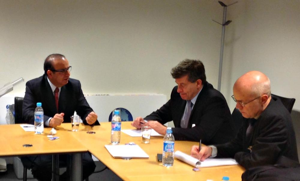 El Secretario del Trabajo con el Secretario General de la OCDE y el Director General de la OIT 4jpg