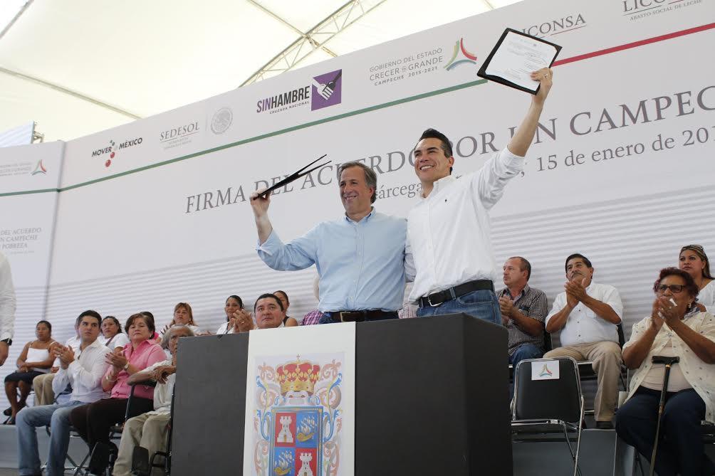 FOTO 1 El secretario Jos  Antonio Meade en el marco de su gira de trabajo por el estado de Campechejpg
