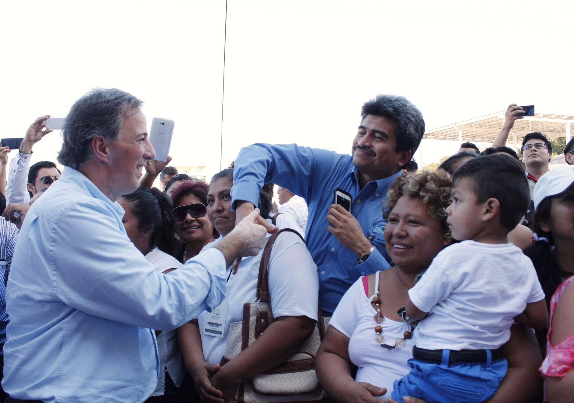 FOTO 6 El secretario Jos  Antonio Meade en el marco de su gira de trabajo por el estado de Campechejpg