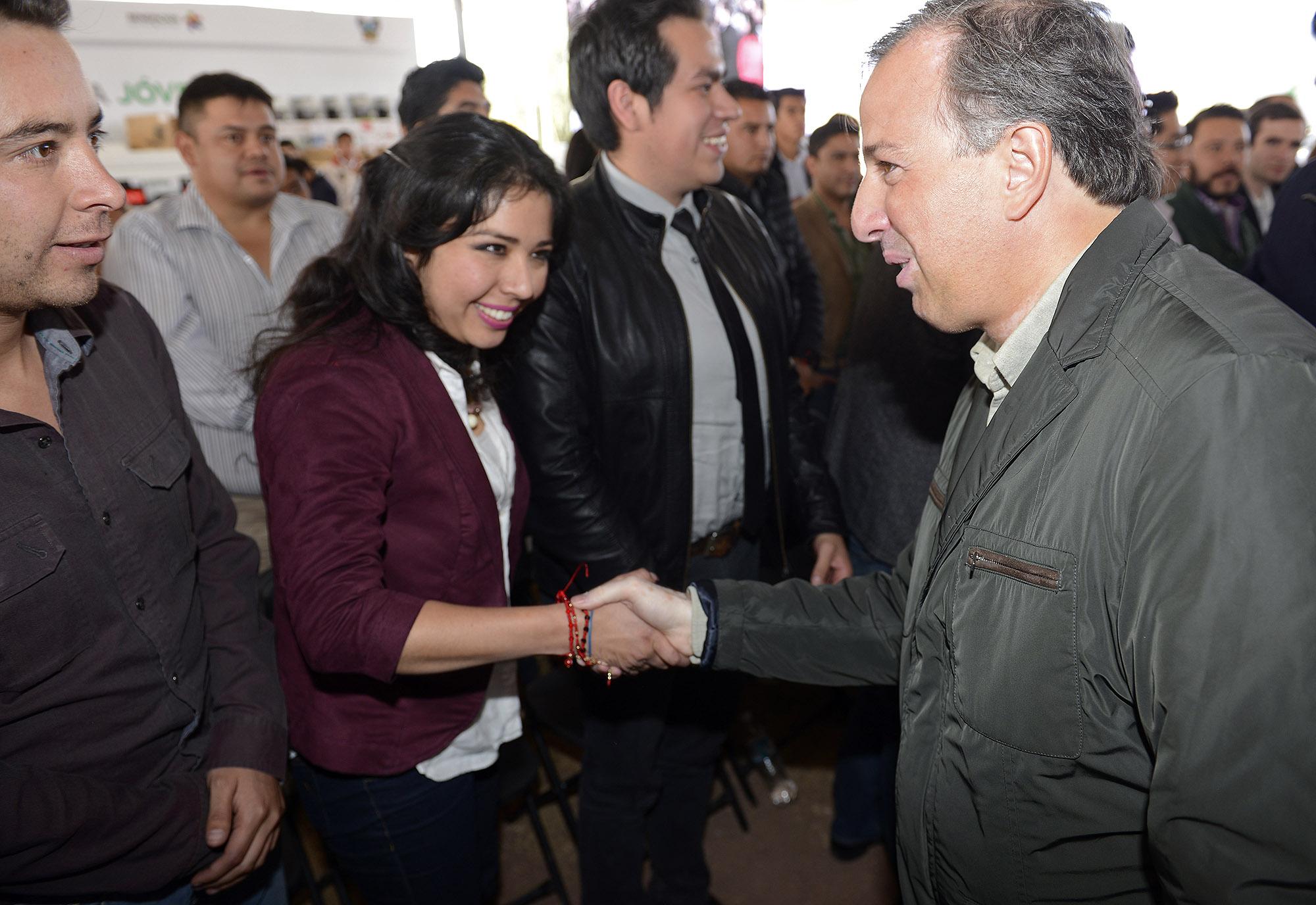 FOTO 1 Secretario Meade en el marco de la firma del Convenio de Adhesi n a la Estrategia J venes por un M xico Alfabetizadojpg