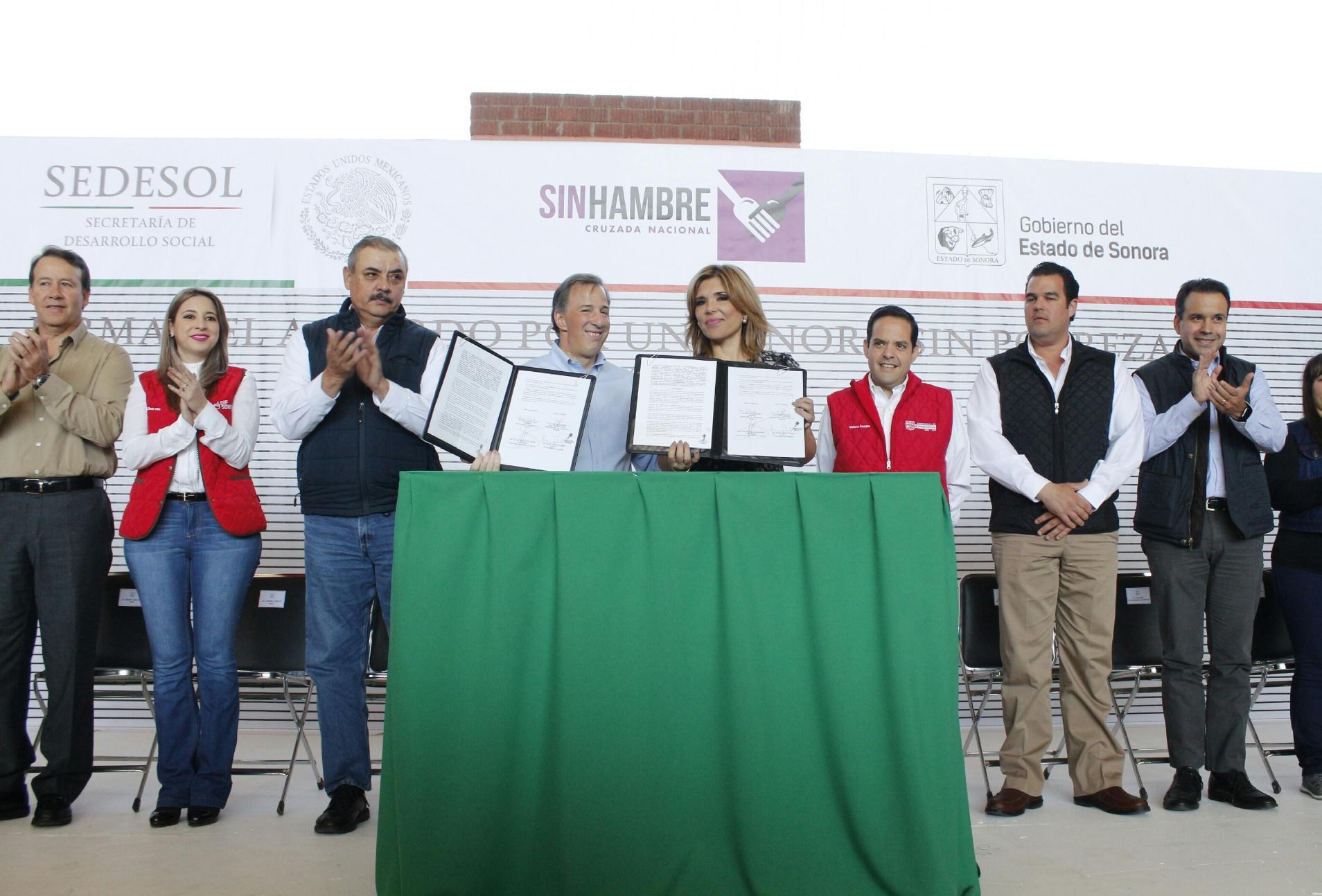 FOTO 3 Secretario Meade en el marco de su gira de trabajo por el estado de Sonora.jpg