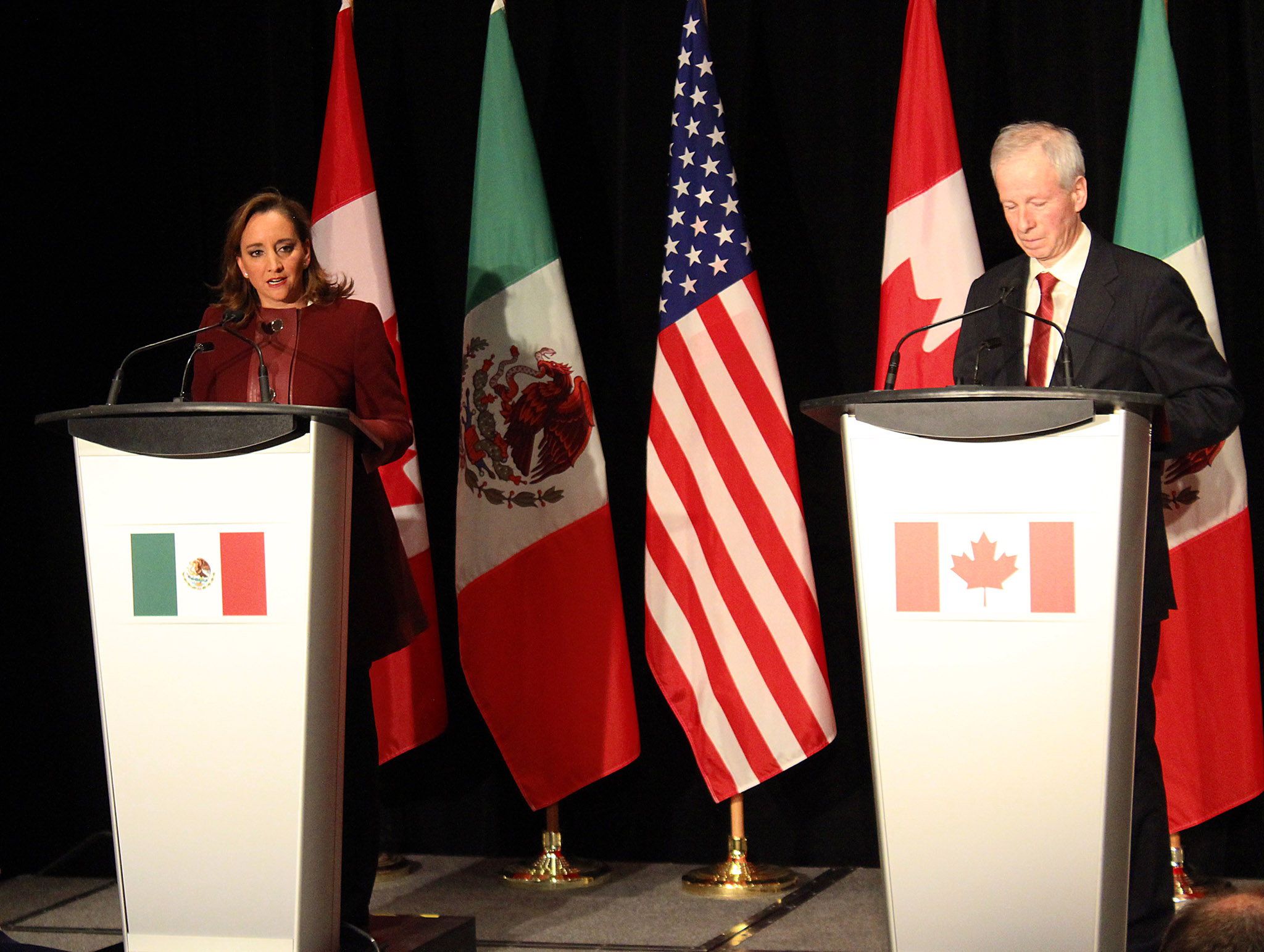 FOTO 3 Canciller Claudia Ruiz Massieu y el Ministro de Exteriores de Canad   St phan Dion.jpg