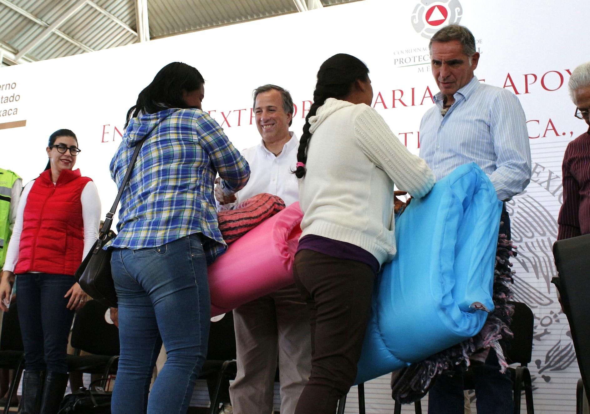 FOTO 5 Secretario Meade en el marco de su gira al estado de Oaxaca.jpg
