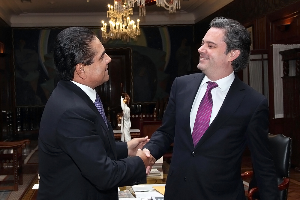 gobernador michoacan secretario educacion publica 1.jpg
