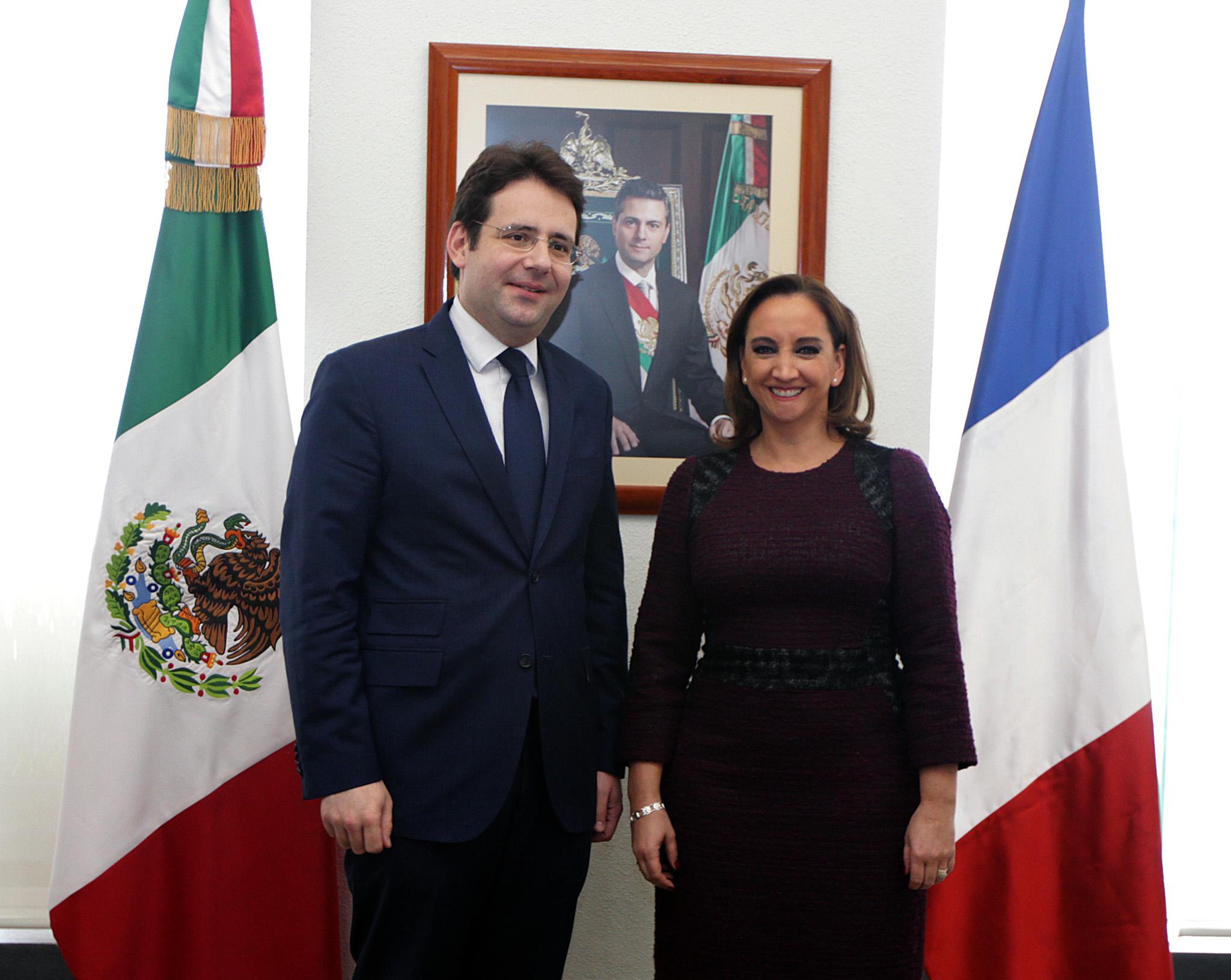 FOTO 1 Canciller Claudia Ruiz Massieu  y Matthias Fekl  Secretario de Estado para el Comercio Exterior y Turismo de la Rep blica Francesa.jpg
