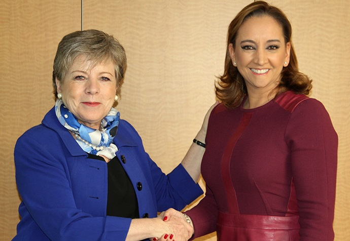 FOTO Canciller Claudia Ruiz Massieu se reuni  con la Secretaria Ejecutiva de la Comisi n Econ mica para Am rica Latina y el Caribe  Alicia B rcena.jpg