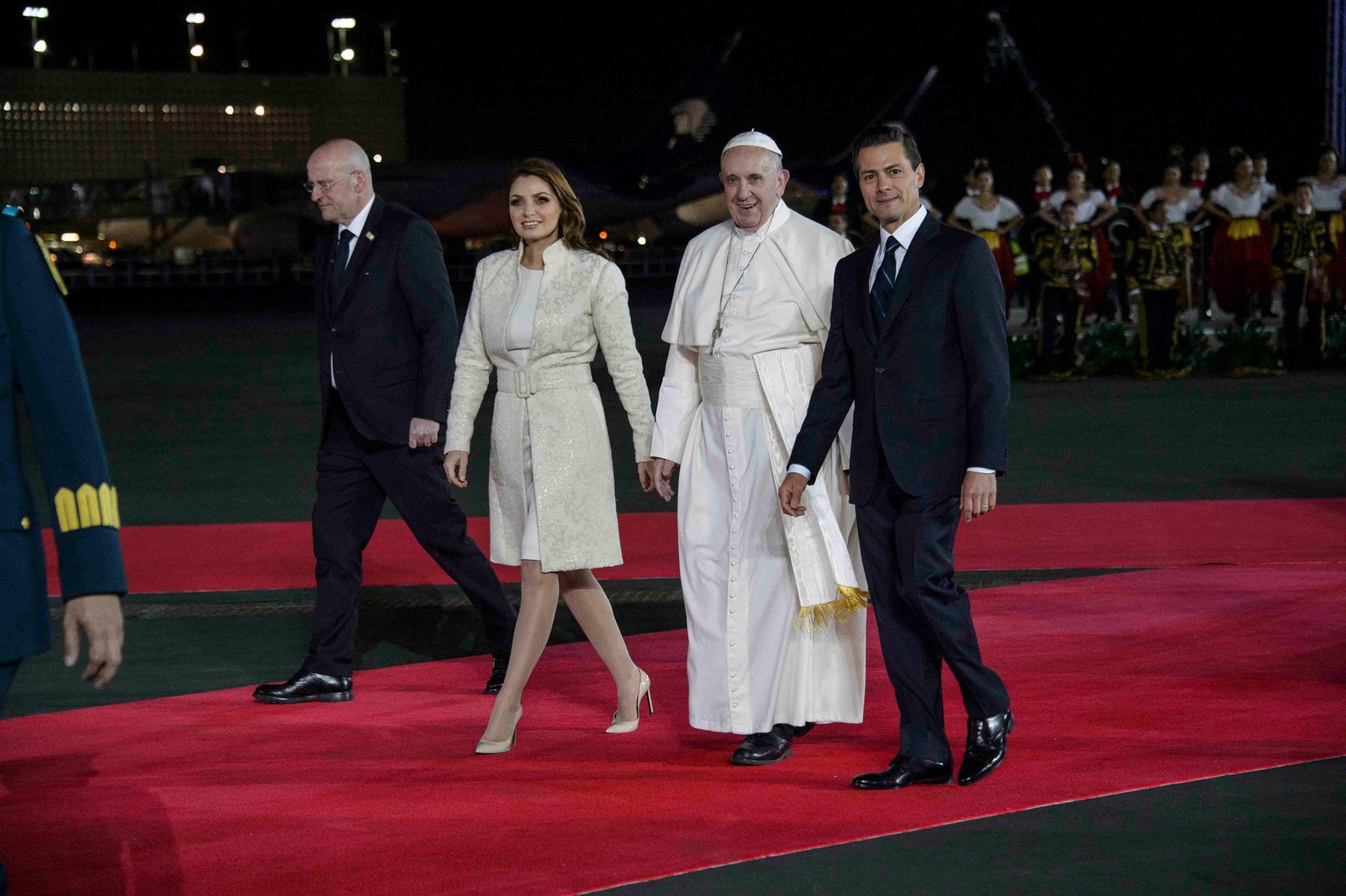 arribo papa francisco alfombra rojajpg