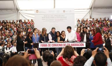 El Secretario de Gobernación, Miguel Ángel Osorio Chong, durante la firma del Convenio de Colaboración, en el marco del inicio del Programa Vocales por la Igualdad en el municipio de Tultitlán de Mariano Escobedo, Estado de México