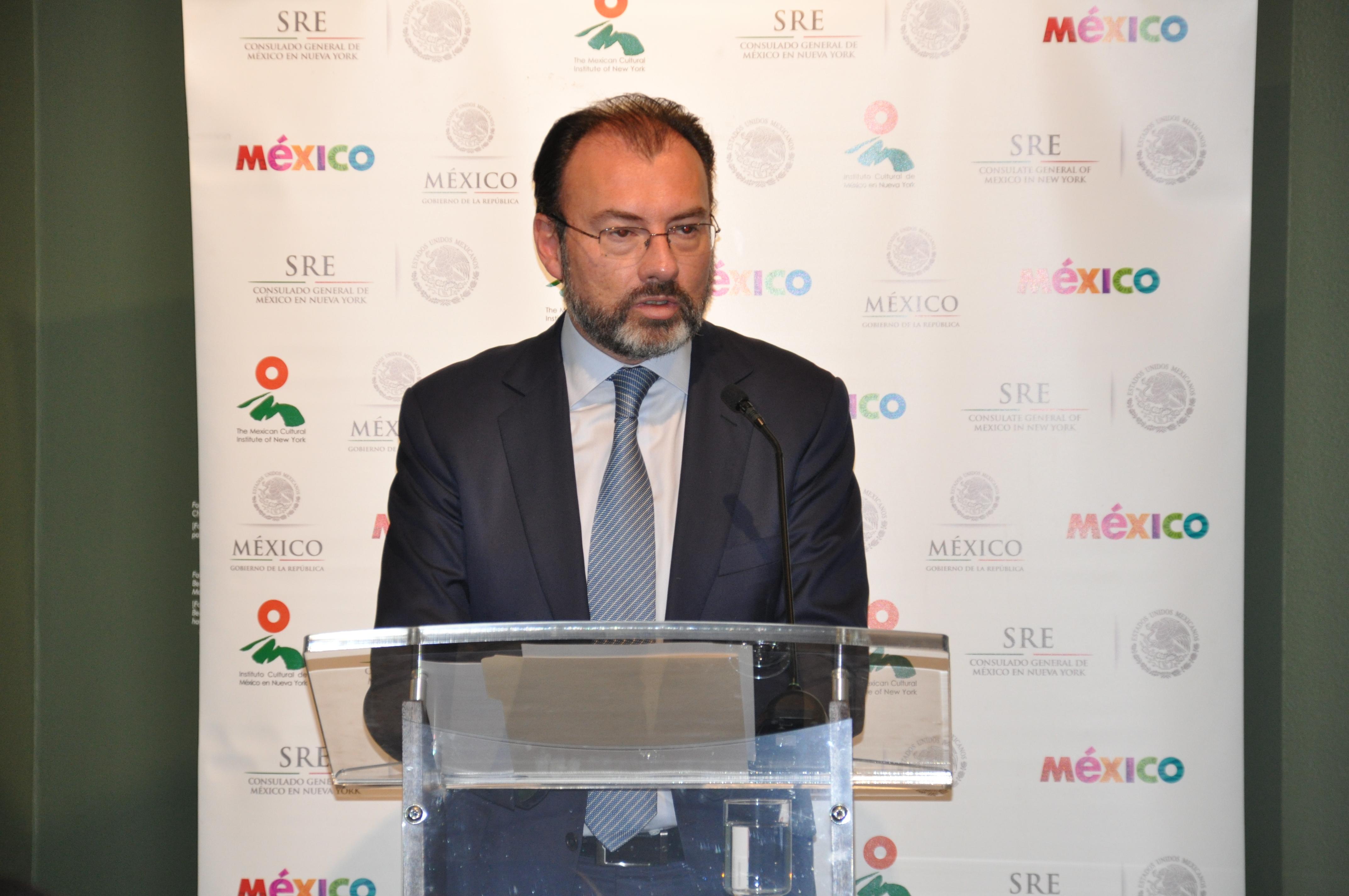 Se emite la primera acta de nacimiento en el Consulado de México en ...