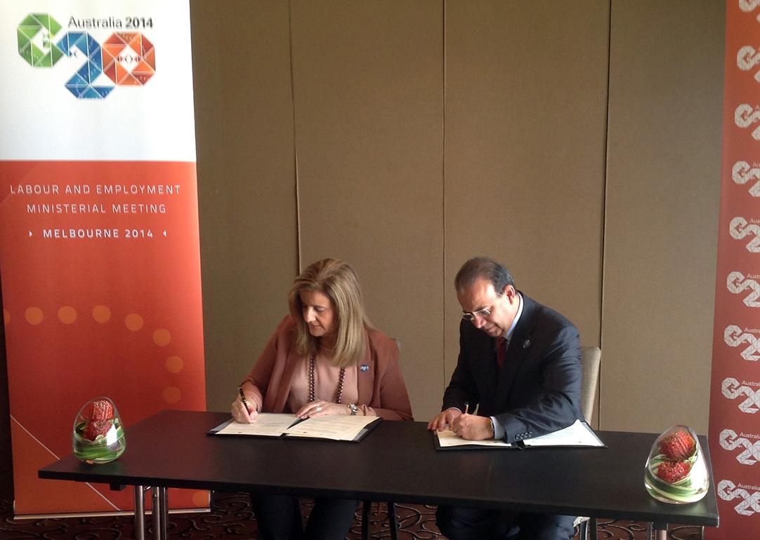 El Secretario del Trabajo y Previsión Social, Alfonso Navarrete Prida, y la Ministra de Empleo y Seguridad Social de España, Fátima Báñez García, firmaron un Acuerdo de Cooperación en materia laboral